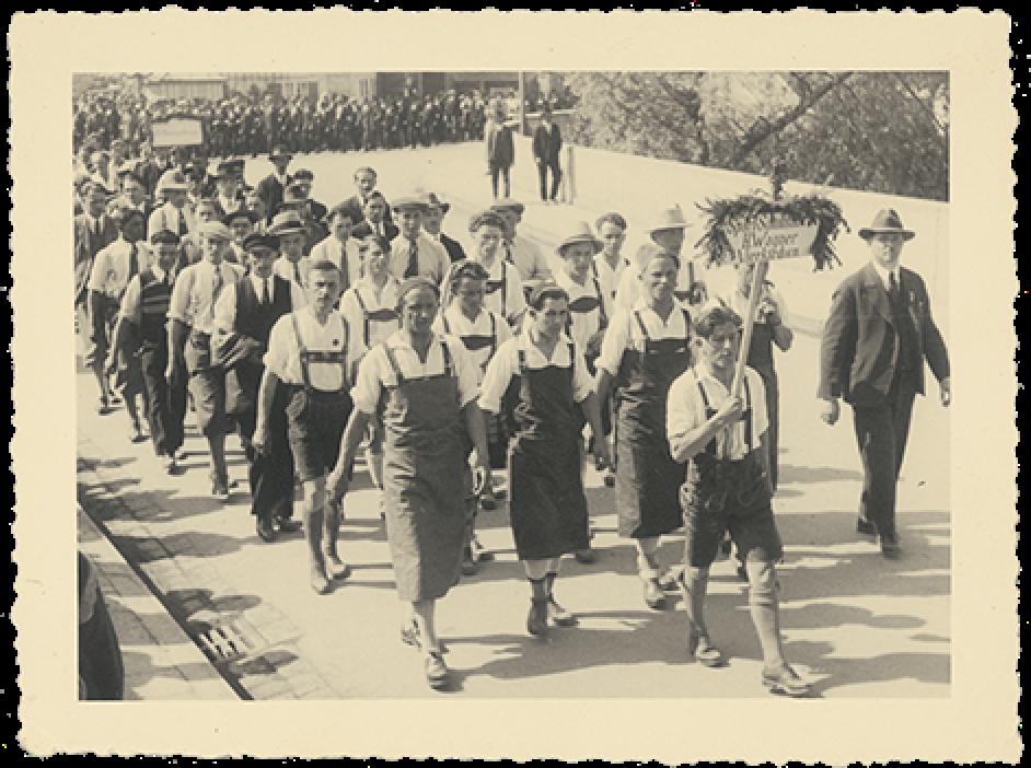 1940-hanwag-machine-age-workers